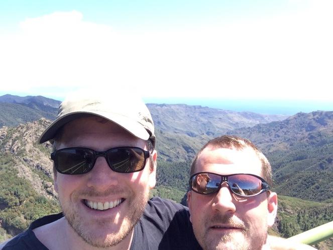 Da hinten sieht man den Teide von Teneriffa den höchsten Berg Spaniens
